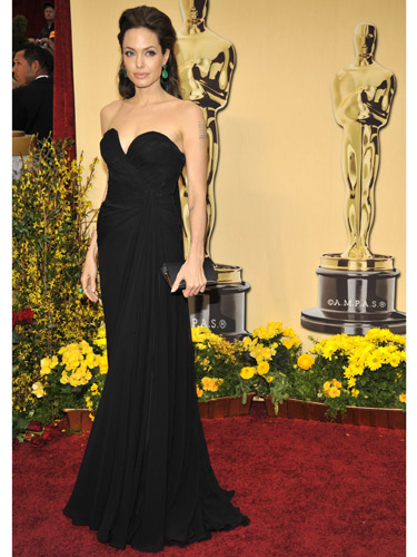 At The 2009 Oscars Angelina Stole Show Once Again But It Wasn T Black Elie Saab Dress That Did Large Green Emerald Earrings Set